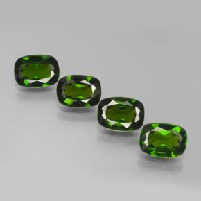 Buy 3.38 ct Green Chrome Diopside 7.03 mm x 5.1 mm from GemSelect (Product ID: 465146)