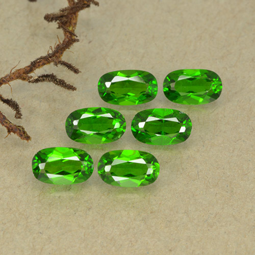 Green Chrome Diopside Gem - 0.3ct Oval Facet (ID: 493745)