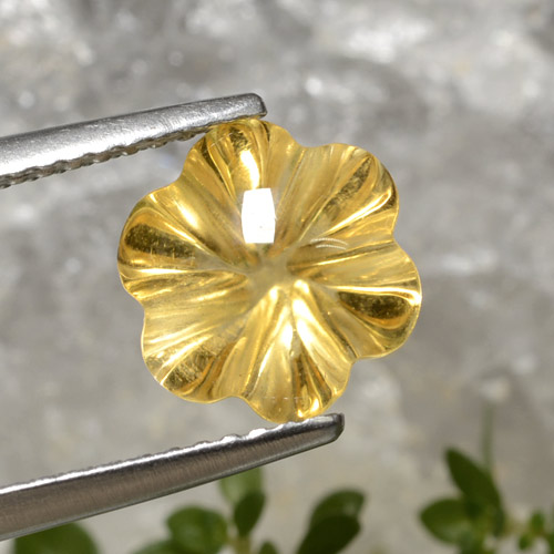 Yellow Golden Citrine Gem - 2.8ct Carved Flower (ID: 470959)