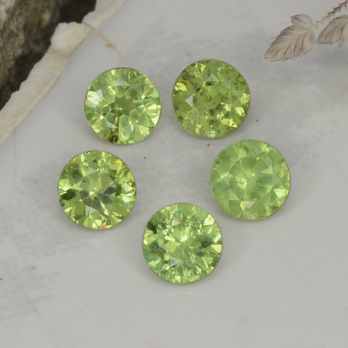 Golden Green Demantoid Garnet Gem - 0.2ct Diamond-Cut (ID: 255630)