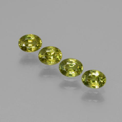 Medium Light Green Granate Demantoide Gema - 0.3ct Forma ovalada (ID: 387787)