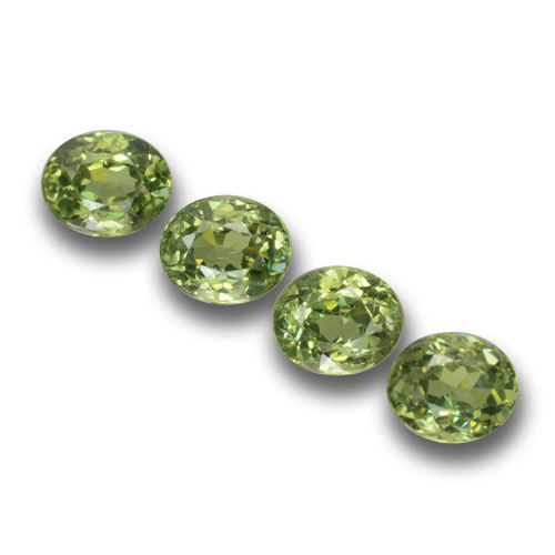 Golden Green Demantoid Garnet Gem - 0.3ct Oval Facet (ID: 458405)