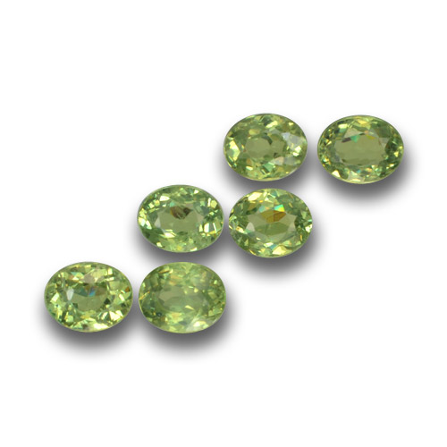 Warm Green Granato demantoide Gem - 0.3ct Ovale sfaccettato (ID: 458682)