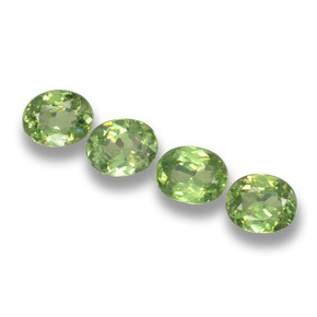 Green Demantoid Garnet Gem - 0.4ct Oval Facet (ID: 461508)