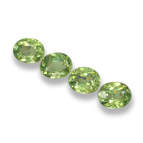 Green Demantoid Garnet Gem - 0.3ct Oval Facet (ID: 461511)