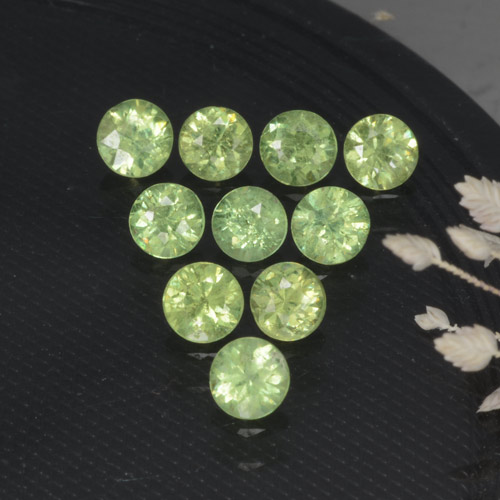 Pear Green Granate Demantoide Gema - 0.2ct Corte Diamante (ID: 468970)