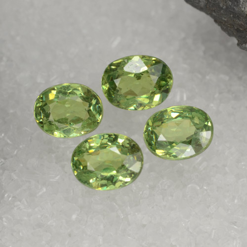 Green Demantoid Garnet Gem - 0.4ct Oval Facet (ID: 471651)