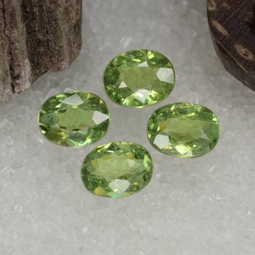 Pear Green Granate Demantoide Gema - 0.4ct Forma ovalada (ID: 471652)