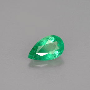 Buy 0.74 ct Green Emerald 8.00 mm x 4.9 mm from GemSelect (Product ID: 250340)