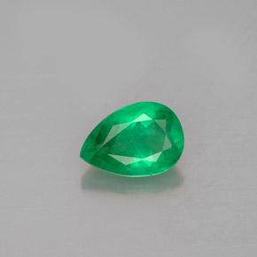 Buy 0.64 ct Green Emerald 6.98 mm x 4.9 mm from GemSelect (Product ID: 250363)
