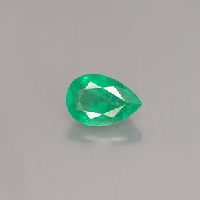 Buy 0.45 ct Green Emerald 6.08 mm x 4.2 mm from GemSelect (Product ID: 250390)