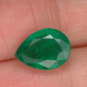 Buy 2.53 ct Green Emerald 10.58 mm x 7.7 mm from GemSelect (Product ID: 258732)