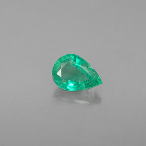 Buy 0.41 ct Green Emerald 5.93 mm x 4.2 mm from GemSelect (Product ID: 284409)
