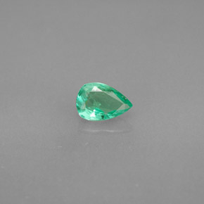 Buy 0.35 ct Green Emerald 5.88 mm x 4 mm from GemSelect (Product ID: 285029)