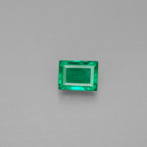 Buy 0.30 ct Green Emerald 4.54 mm x 3.5 mm from GemSelect (Product ID: 287973)