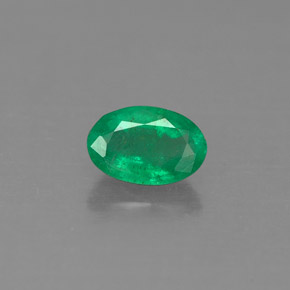 Buy 0.49ct Green Emerald 6.20mm x 4.09mm from GemSelect (Product ID: 290217)