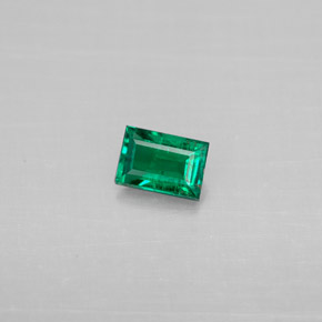 Buy 0.25 ct Green Emerald 4.77 mm x 3.3 mm from GemSelect (Product ID: 294172)
