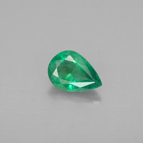 Buy 0.57 ct Green Emerald 7.03 mm x 5 mm from GemSelect (Product ID: 296253)