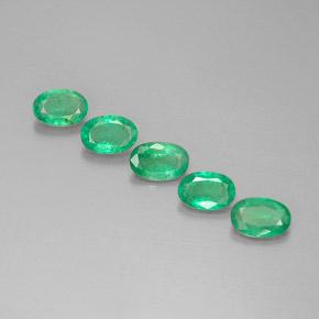 0.4ct Oval Facet Bright Green  Emerald Gem (ID: 298283)