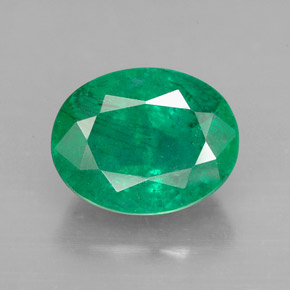 Buy 3.85 ct Green Emerald 11.32 mm x 8.9 mm from GemSelect (Product ID: 299252)