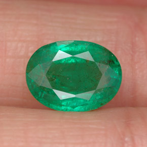 1.7ct Oval Facet Medium Green Emerald Gem (ID: 299257)