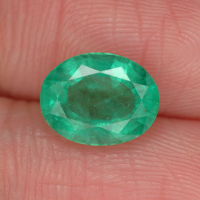 Buy 1.87 ct Green Emerald 9.01 mm x 7.1 mm from GemSelect (Product ID: 303645)