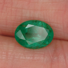 Buy 1.05 ct Green Emerald 7.94 mm x 5.9 mm from GemSelect (Product ID: 319884)