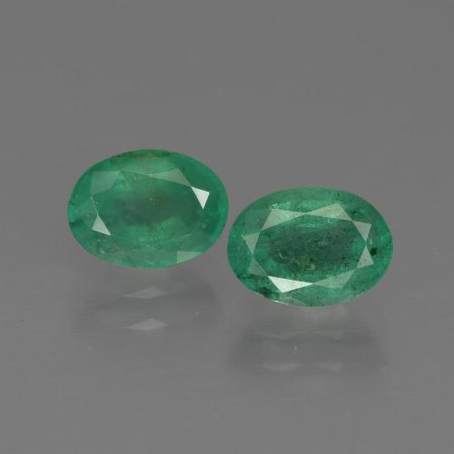 0.9ct Oval Facet Medium Green Emerald Gem (ID: 411888)