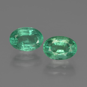 0.9ct Oval Facet Jade Green Emerald Gem (ID: 411890)