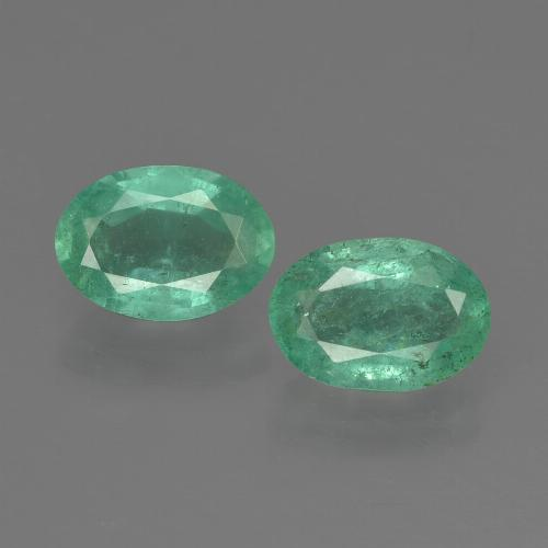 0.8ct Oval Facet Medium Green Emerald Gem (ID: 411891)