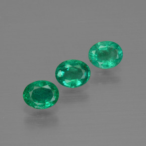 0.3ct Oval Facet Medium Green Emerald Gem (ID: 411961)