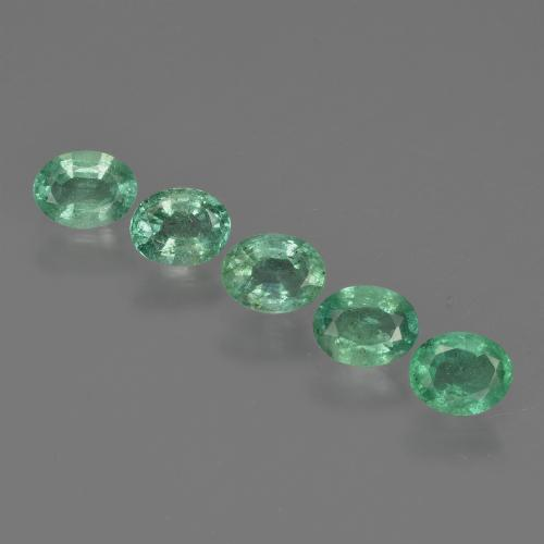 0.3ct Oval Facet Medium Green Emerald Gem (ID: 412125)