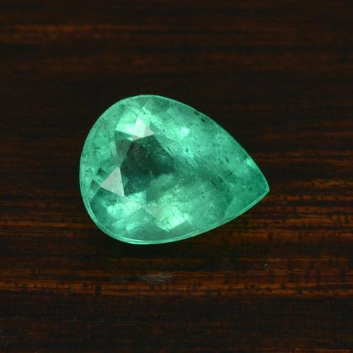 Light Green Emerald Gem - 1.6ct Pear Facet (ID: 422644)