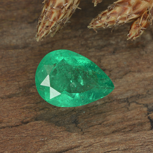 Medium Green Émeraude gemme - 0.6ct Poire facette (ID: 499297)