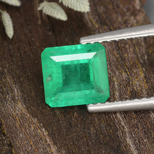 thumb image of 1.2ct Octagon Step Cut Green Emerald (ID: 499371)