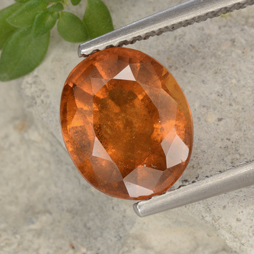 Medium Orange Granate Hesonita Gema - 2.6ct Forma ovalada (ID: 496422)