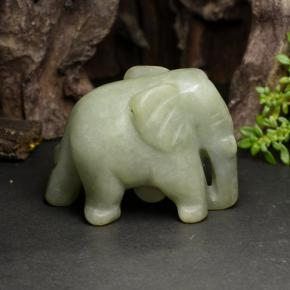 Green Jadeite Gem - 141.2ct Carved Elephant (ID: 470454)