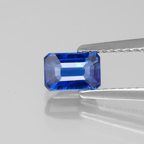 Buy 0.85 ct Blue Kyanite 6.00 mm x 4.1 mm from GemSelect (Product ID: 323232)