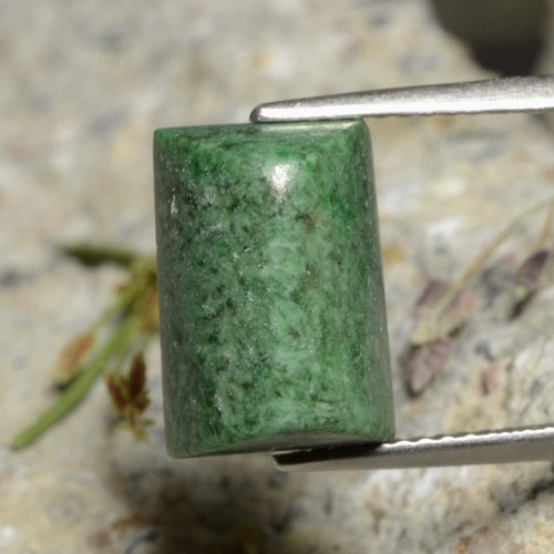 Medium Green Maw-Sit-Sit Gema - 6.8ct Cabujón Baguette Sugarloaf (ID: 477657)