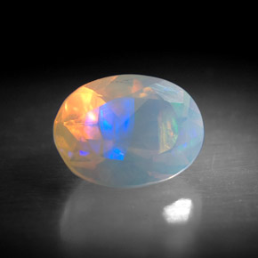 Buy 0.91 ct Multicolor Opal 8.16 mm x 6.1 mm from GemSelect (Product ID: 301439)