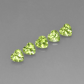 Buy 2.79 ct Lively Green Peridot 5.01 mm x 4.9 mm from GemSelect (Product ID: 245501)