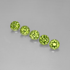 Buy 4.98 ct Lively Green Peridot 6.05 mm  from GemSelect (Product ID: 284454)