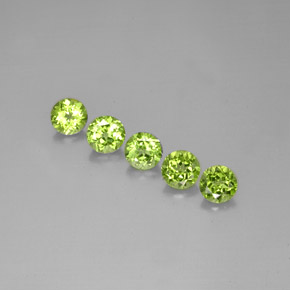 Buy 4.55 ct Lively Green Peridot 6.04 mm  from GemSelect (Product ID: 284492)