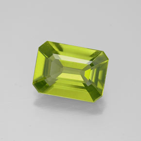 Buy 1.75 ct Lively Green Peridot 8.86 mm x 6.6 mm from GemSelect (Product ID: 320657)