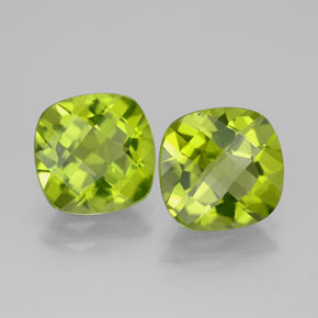 Buy 4.87 ct Lively Green Peridot 8.67 mm x 8.4 mm from GemSelect (Product ID: 322774)