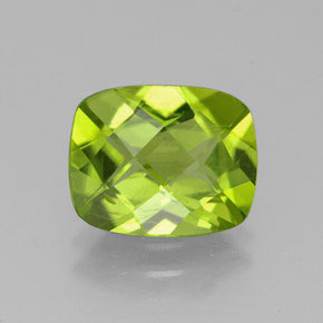 Lively Green Peridot Gem - 2.8ct Cushion Checkerboard (ID: 332294)