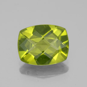 Lively Green Peridot Gem - 2.5ct Cushion Checkerboard (ID: 334164)