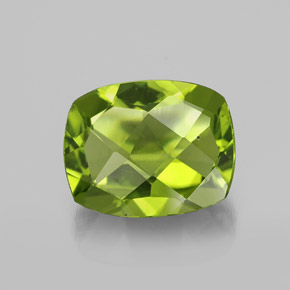 Medium Green Peridot Gem - 2.8ct Cushion Checkerboard (ID: 334416)