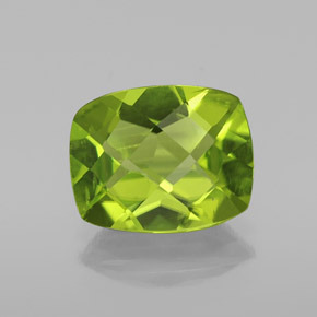 Lively Green Peridot Gem - 2.8ct Cushion Checkerboard (ID: 334418)