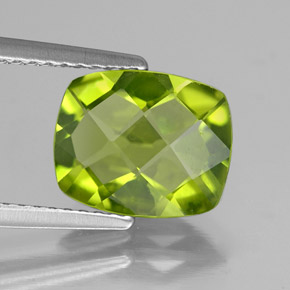 Lively Green Peridot Gem - 2.6ct Cushion Checkerboard (ID: 335758)